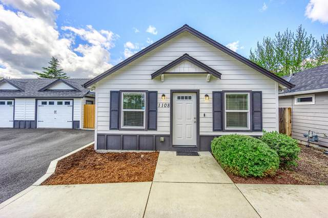 1108 Peachwood Court, Medford, OR 97501 (MLS #220122011) :: The Ladd Group