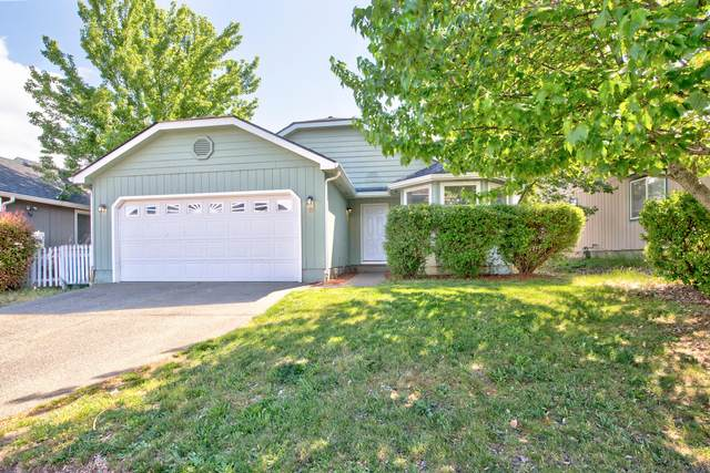 1789 Harbeck Road, Grants Pass, OR 97527 (MLS #220122016) :: Premiere Property Group, LLC