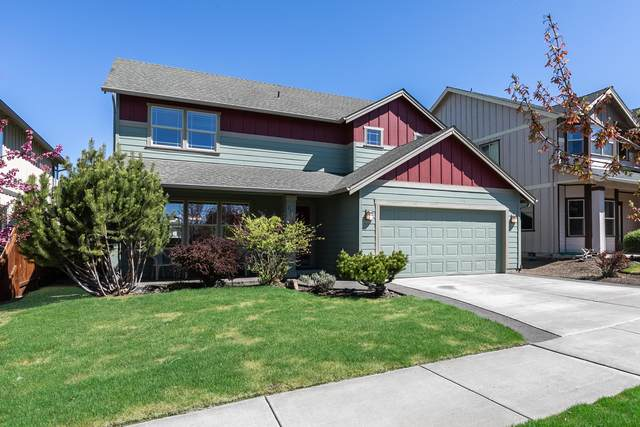 21188 Clairaway Avenue, Bend, OR 97702 (MLS #220122026) :: Fred Real Estate Group of Central Oregon