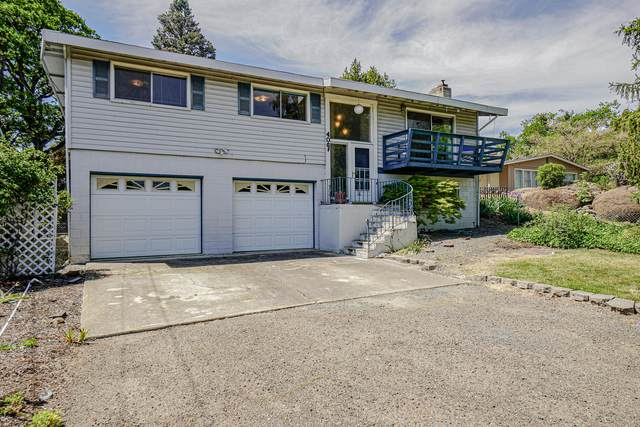 406 Highland Drive, Medford, OR 97504 (MLS #220122033) :: The Ladd Group