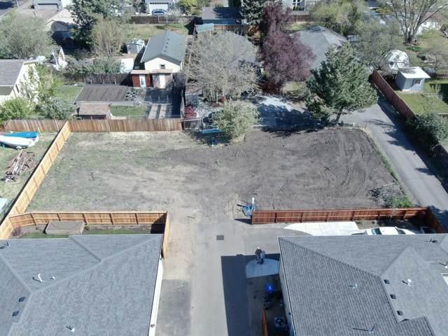 471 E Hersey Street, Ashland, OR 97520 (MLS #220122047) :: Berkshire Hathaway HomeServices Northwest Real Estate