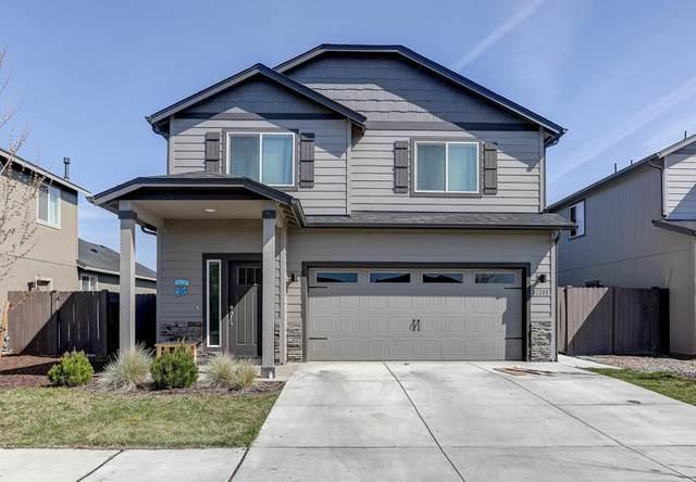 21288 SE Daylily Avenue, Bend, OR 97702 (MLS #220122051) :: Central Oregon Home Pros