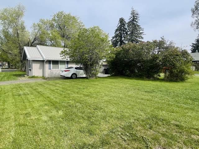 932 SW Forest Avenue, Redmond, OR 97756 (MLS #220122068) :: Berkshire Hathaway HomeServices Northwest Real Estate