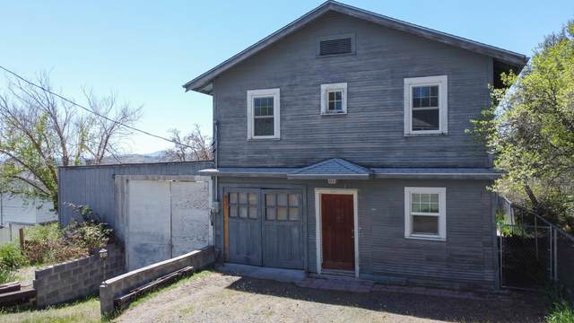 321 Haskins Avenue, Klamath Falls, OR 97601 (MLS #220122096) :: Central Oregon Home Pros