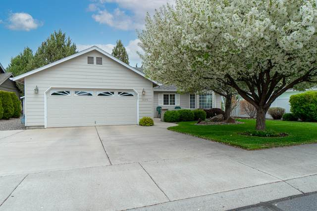 4375 SW Ben Hogan Drive, Redmond, OR 97756 (MLS #220122103) :: The Ladd Group
