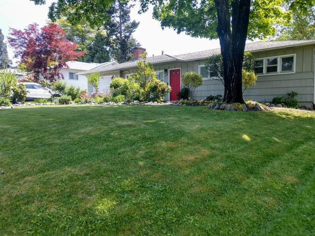 1508 Stratford Avenue, Medford, OR 97504 (MLS #220122105) :: The Ladd Group