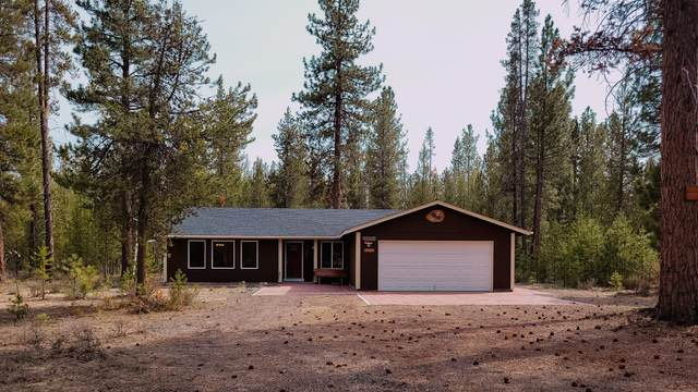 15045 Chipmunk Lane, La Pine, OR 97739 (MLS #220122110) :: Fred Real Estate Group of Central Oregon