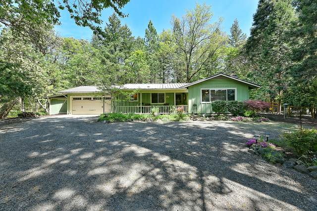 801 Upper Applegate Road, Jacksonville, OR 97530 (MLS #220122140) :: Coldwell Banker Sun Country Realty, Inc.