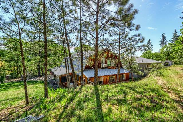 731 Greenleaf Drive, Eagle Point, OR 97524 (MLS #220122152) :: Top Agents Real Estate Company