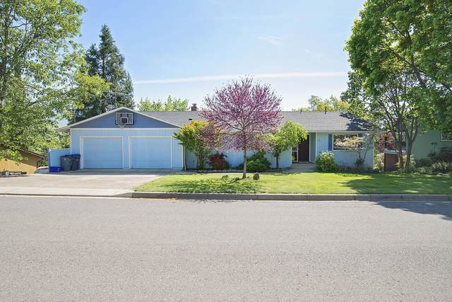686 Cherry Lane, Ashland, OR 97520 (MLS #220122154) :: The Ladd Group