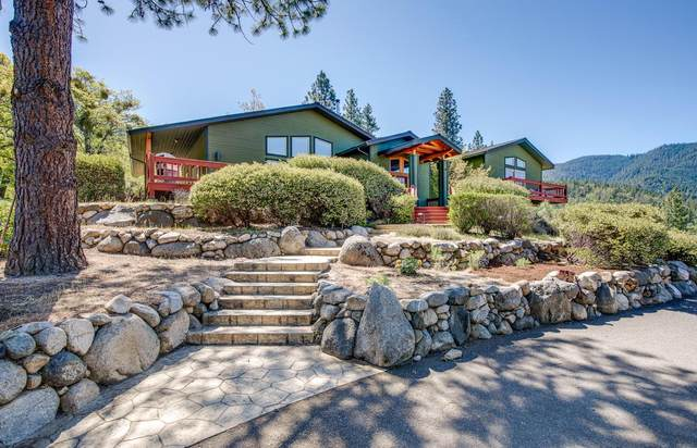 2003 Tolman Creek Road, Ashland, OR 97520 (MLS #220122157) :: The Ladd Group