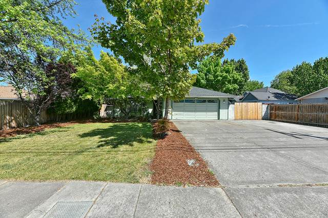 2270 Springbrook Road, Medford, OR 97504 (MLS #220122201) :: The Ladd Group