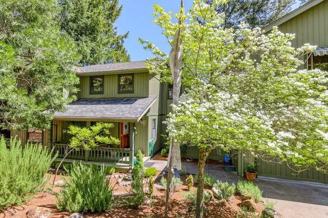 303 Granite Street, Ashland, OR 97520 (MLS #220122281) :: Top Agents Real Estate Company