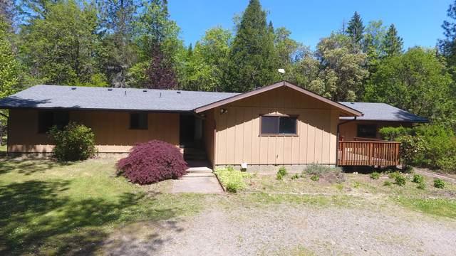 922 Garner Road, Cave Junction, OR 97523 (MLS #220122284) :: Keller Williams Realty Central Oregon