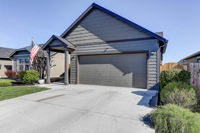 3559 SW Pumice Place, Redmond, OR 97756 (MLS #220122295) :: Bend Relo at Fred Real Estate Group