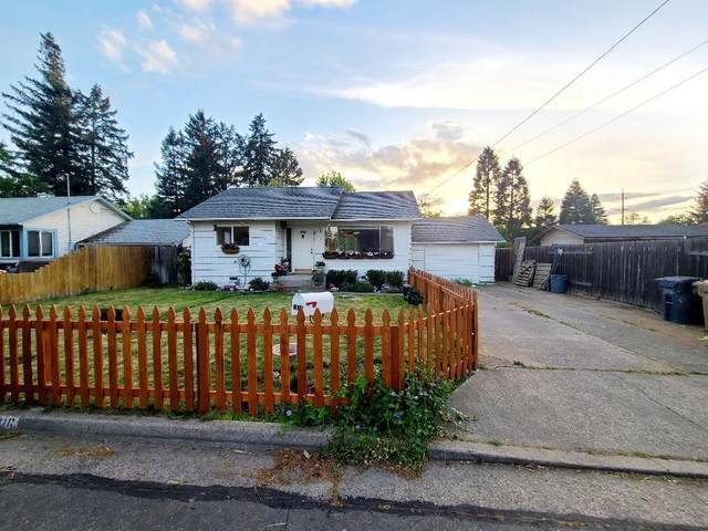 1016 SE Ashley Place, Grants Pass, OR 97526 (MLS #220122302) :: Top Agents Real Estate Company