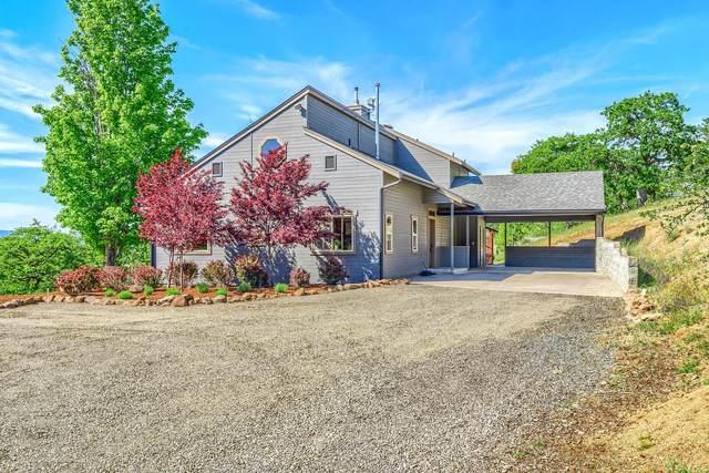 3800 Devils Garden Road, Medford, OR 97504 (MLS #220122345) :: Central Oregon Home Pros