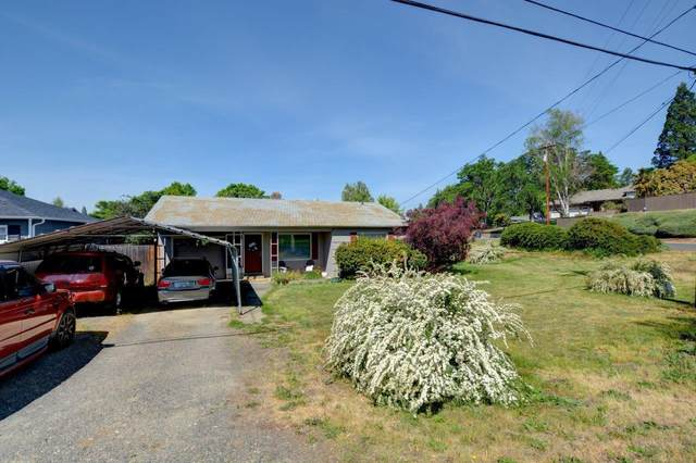 690 S Modoc Avenue, Medford, OR 97504 (MLS #220122360) :: Top Agents Real Estate Company