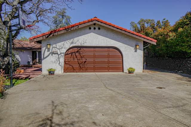 2422 Pinebrook Circle, Medford, OR 97504 (MLS #220122374) :: Top Agents Real Estate Company