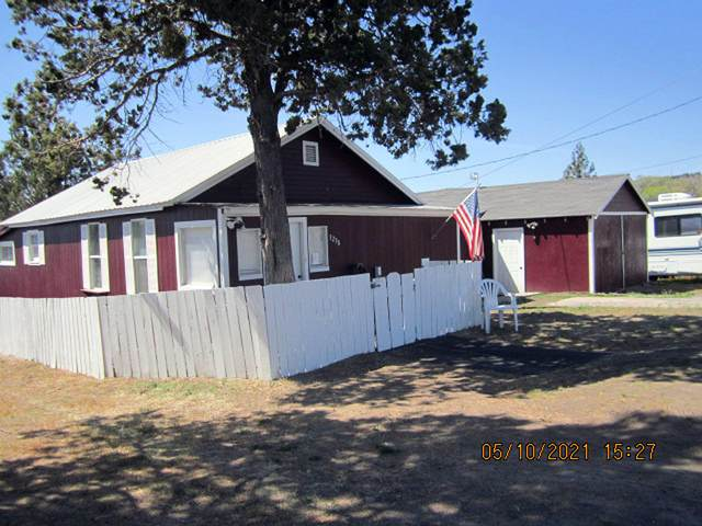 3238 Cortez Street, Klamath Falls, OR 97601 (MLS #220122383) :: Top Agents Real Estate Company