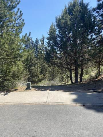 554 NW Lindsay Court, Bend, OR 97703 (MLS #220122402) :: Bend Relo at Fred Real Estate Group