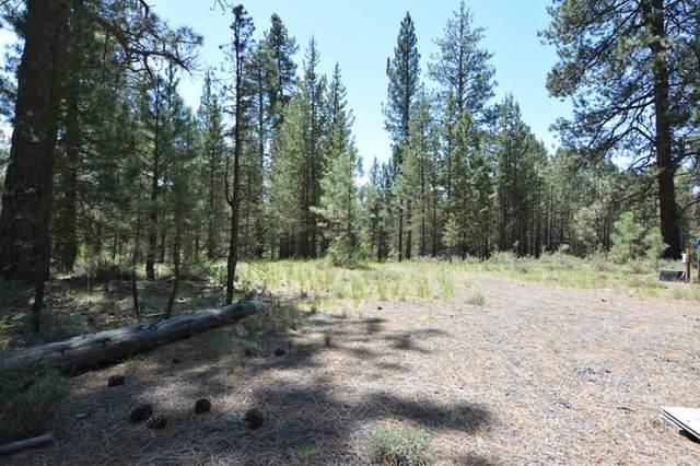 15448 Deer Avenue, La Pine, OR 97739 (MLS #220122406) :: Bend Relo at Fred Real Estate Group