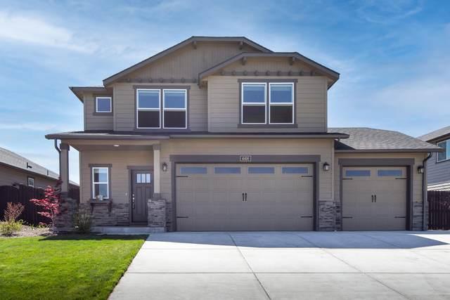 4416 SW Salmon Place, Redmond, OR 97756 (MLS #220122425) :: Keller Williams Realty Central Oregon