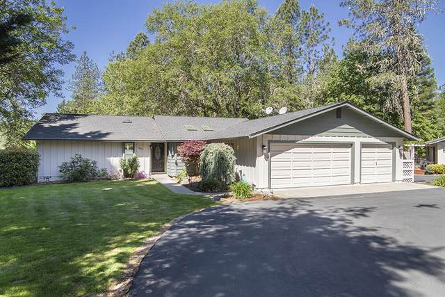 7855 Lower River Road, Grants Pass, OR 97526 (MLS #220122468) :: The Ladd Group