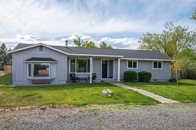 2027 NW 11th Street, Redmond, OR 97756 (MLS #220122484) :: Vianet Realty