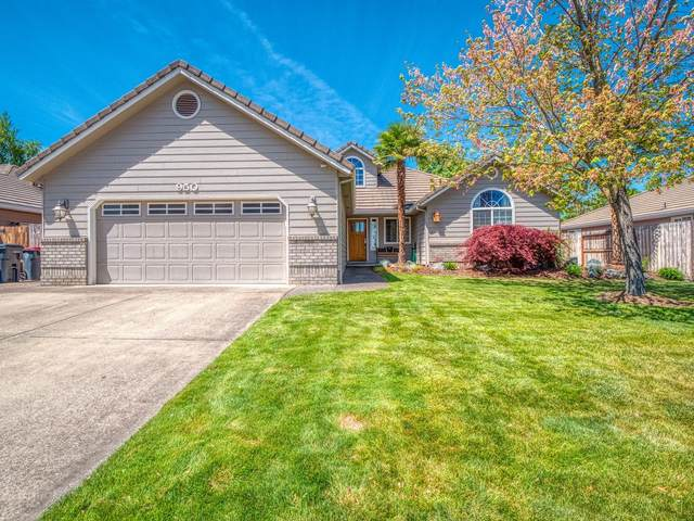 950 Jackson Creek Drive, Central Point, OR 97502 (MLS #220122495) :: FORD REAL ESTATE