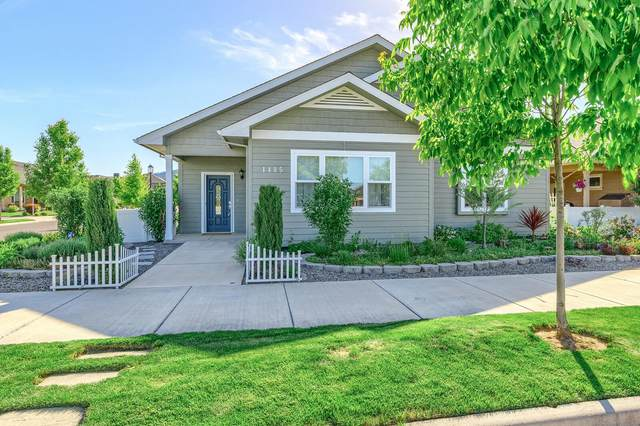 1405 N Haskell Street, Central Point, OR 97502 (MLS #220122505) :: FORD REAL ESTATE