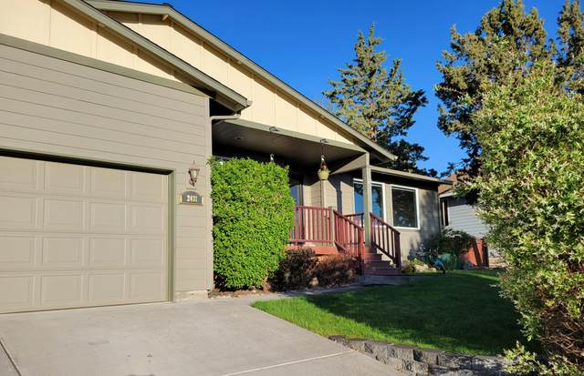 2431 SW 34th Drive, Redmond, OR 97756 (MLS #220122517) :: Central Oregon Home Pros