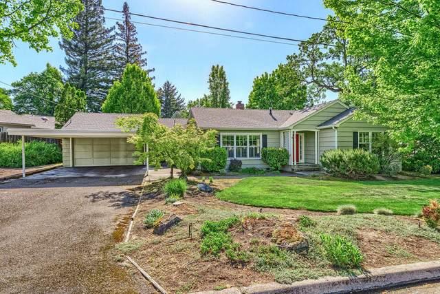12 N Groveland Avenue, Medford, OR 97504 (MLS #220122519) :: Vianet Realty