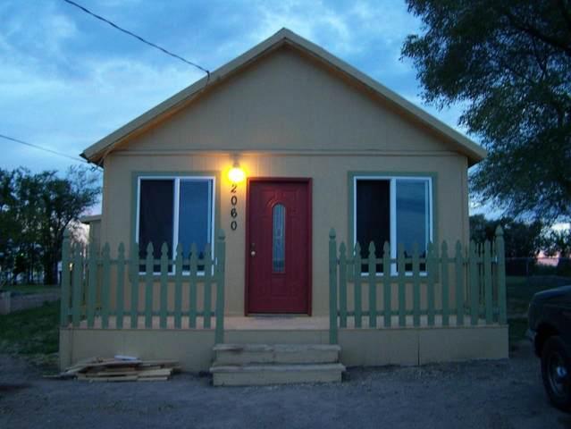 2060 SW 6th Street, Metolius, OR 97741 (MLS #220122541) :: Vianet Realty