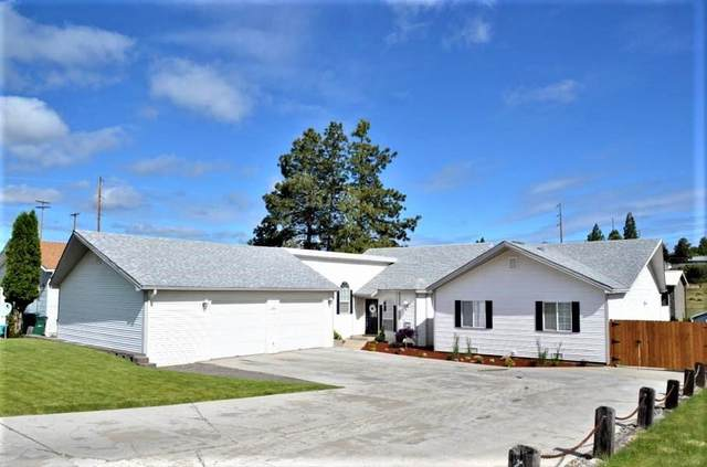2089 California Avenue, Klamath Falls, OR 97601 (MLS #220122561) :: Bend Relo at Fred Real Estate Group