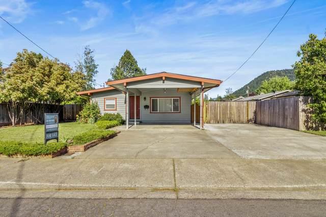 1029 SE Fern Street, Grants Pass, OR 97526 (MLS #220122606) :: Keller Williams Realty Central Oregon