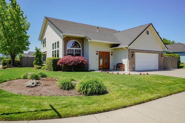 679 White Oak Avenue, Central Point, OR 97502 (MLS #220122629) :: FORD REAL ESTATE