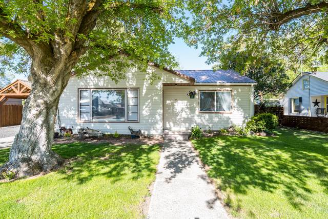 1259 NE Wilshire Drive, Prineville, OR 97754 (MLS #220122632) :: The Ladd Group