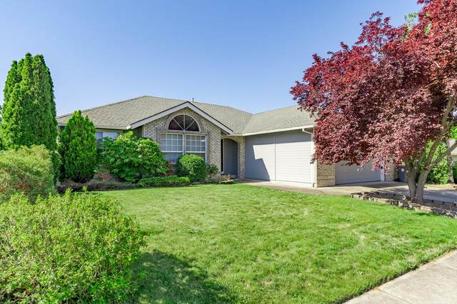 3532 Blue Blossom Drive, Medford, OR 97504 (MLS #220122633) :: Bend Relo at Fred Real Estate Group