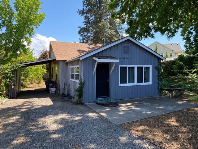 670 N 5th Street, Jacksonville, OR 97530 (MLS #220122667) :: Bend Relo at Fred Real Estate Group