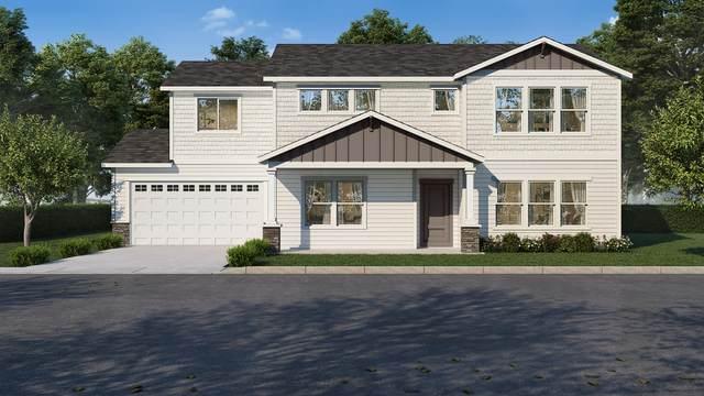 2594 NW Spruce Place, Redmond, OR 97756 (MLS #220122690) :: Team Birtola | High Desert Realty