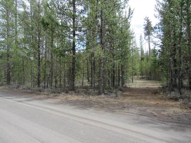 16465 S La Pine Drive, La Pine, OR 97739 (MLS #220122711) :: Central Oregon Home Pros