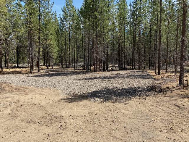 52281 Stearns Road, La Pine, OR 97739 (MLS #220122736) :: Fred Real Estate Group of Central Oregon