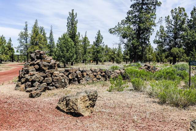 6702 SW Ferret Road, Terrebonne, OR 97760 (MLS #220122740) :: Bend Relo at Fred Real Estate Group