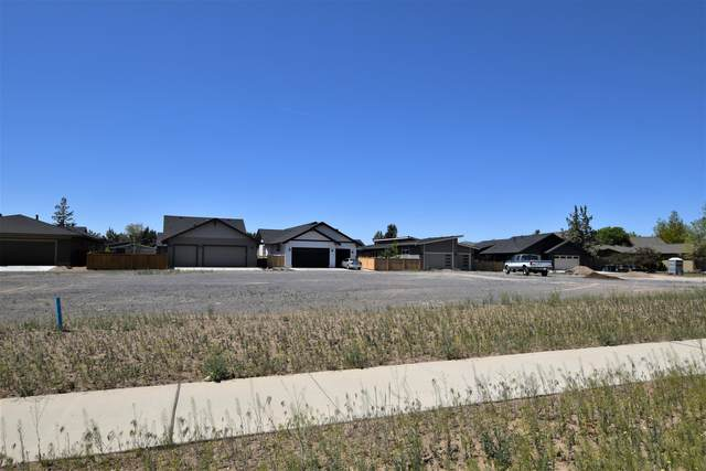 759 NW 13th Street, Redmond, OR 97756 (MLS #220122757) :: The Ladd Group