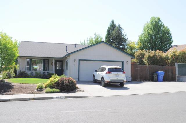 801 Ridgeview Drive, Eagle Point, OR 97524 (MLS #220122781) :: Bend Relo at Fred Real Estate Group
