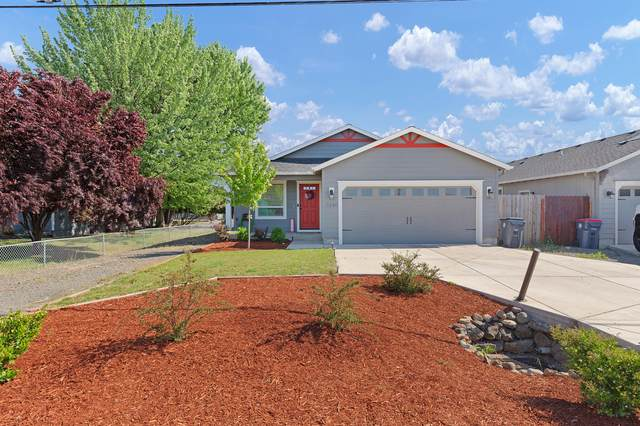 3846 Avenue A, White City, OR 97503 (MLS #220122834) :: Team Birtola | High Desert Realty