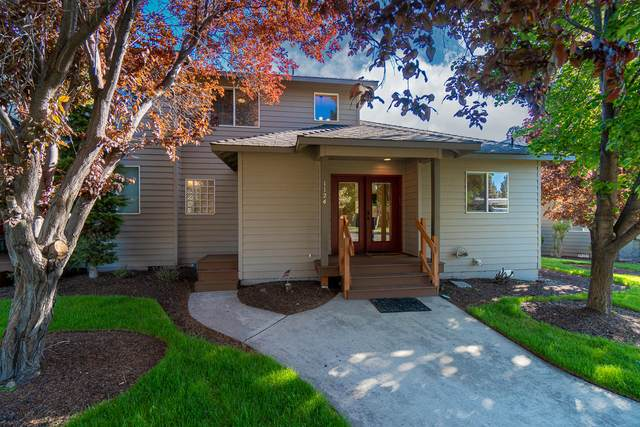 1124 Golden Pheasant Drive, Redmond, OR 97756 (MLS #220122839) :: The Ladd Group