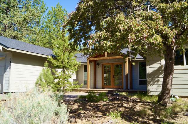 1554 NW West Hills Avenue, Bend, OR 97703 (MLS #220122990) :: Chris Scott, Central Oregon Valley Brokers