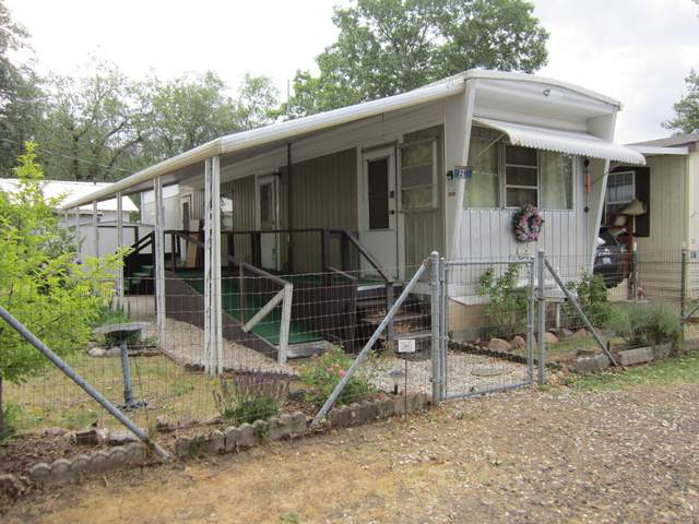 22071 Highway 62 # 21, Shady Cove, OR 97539 (MLS #220123073) :: Keller Williams Realty Central Oregon